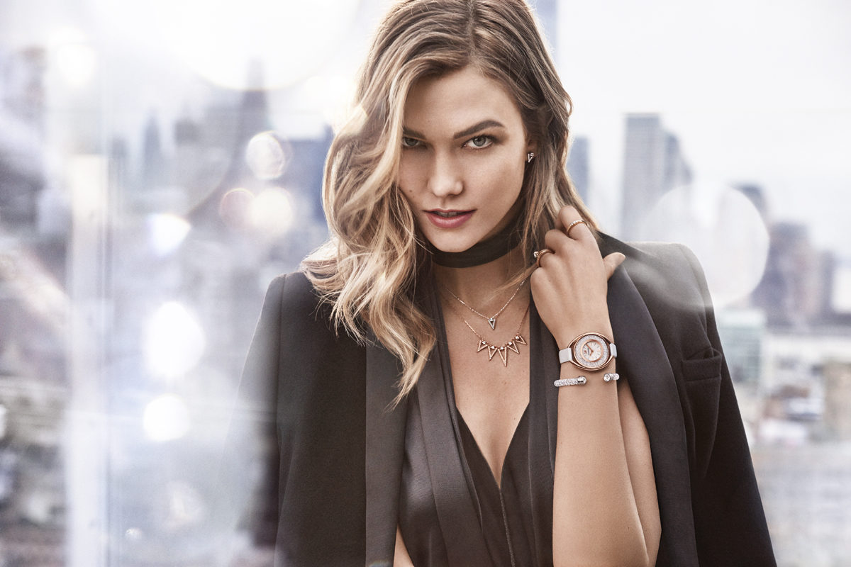 Beautiful American Fashion Model Karlie Kloss Modeling For The Swarovski Advertising Campaign (Beautiful Swarovski Ads) Modeling As One Of The Highest Paid Models In The World.