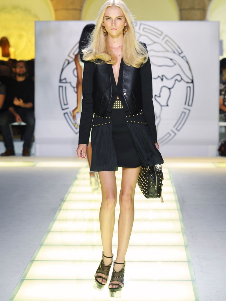 Versace Fashion Runway Show With Beautiful Versace Blonde Models Modeling Versace Dresses Skirts And Handbags On The Fashion Runway.