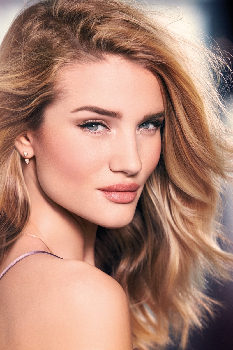 Beautiful Blonde Fashion Model Rosie Huntington-Whiteley Modeling For The Rosie For Autograph Makeup Advertising Campaign (Beautiful Rosie For Autograph Makeup Ads And Makeup Advertisements).