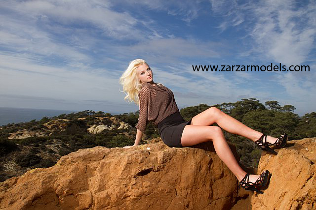 Beautiful Blonde ZARZAR MODELS Brooke Rilling Modeling In San Diego County In Torrey Pines Natural Reserve In Beautiful Black And Brown Dresses And Black Heels For High Fashion Ads 500
