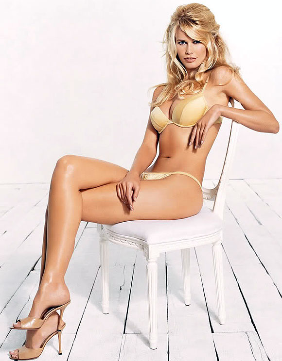 Beautiful H&M Model Claudia Schiffer Modeling In Sexy Lingerie Modeling For H&M Fashion Ads Claudia Schiffer Richest Models In The World.