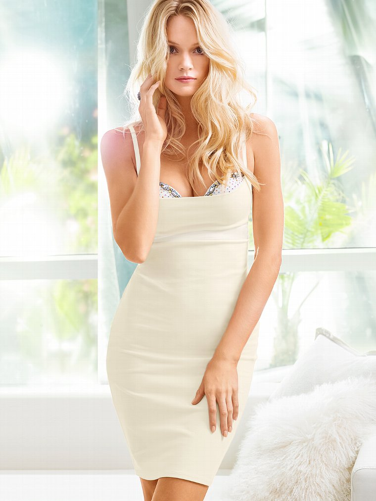 Beautiful Blonde Victoria's Secret Model Lindsay Ellingson Modeling In Beautiful Victoria's Secret White Dresses For Victoria's Secret Fashion Ads. How To Become A Victoria's Secret Model And The Secrets Of Becoming A Victoria's Secret Angel.