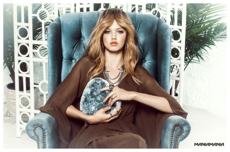 Famous American Fashion Model Lindsey Wixson (From Kansas) Modeling For Australian Jewelry Company Maniamania Fashion Ads And Maniamania Jewelry Fashion Advertisements Modeling As One Of The Highest Paid Models In The World.