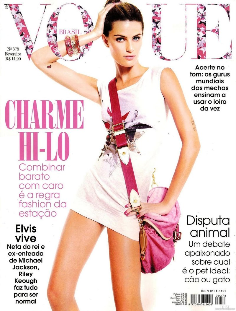 Beautiful Brazilian Fashion Model Isabeli Fontana Modeling For The Cover Of Vogue Brasil Modeling As One Of The Highest Paid Models In Brazil.