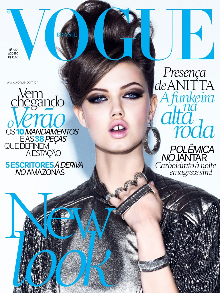 Beautiful Brunette Fashion Model Lindsey Wixson Modeling For The Cover Of Vogue Brasil (Vogue Brazil) Magazine And Vogue Brasil Fashion Editorials Modeling As One Of The Highest Paid Models In The World.