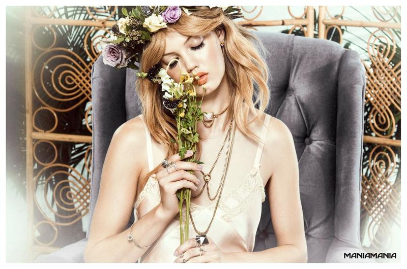 Beautiful Blonde American Fashion Model Lindsey Wixson (From Kansas) Modeling For Australian Jewelry Company Maniamania Fashion Ads And Maniamania Jewelry Fashion Advertisements Modeling As One Of The Highest Paid Models In The World.