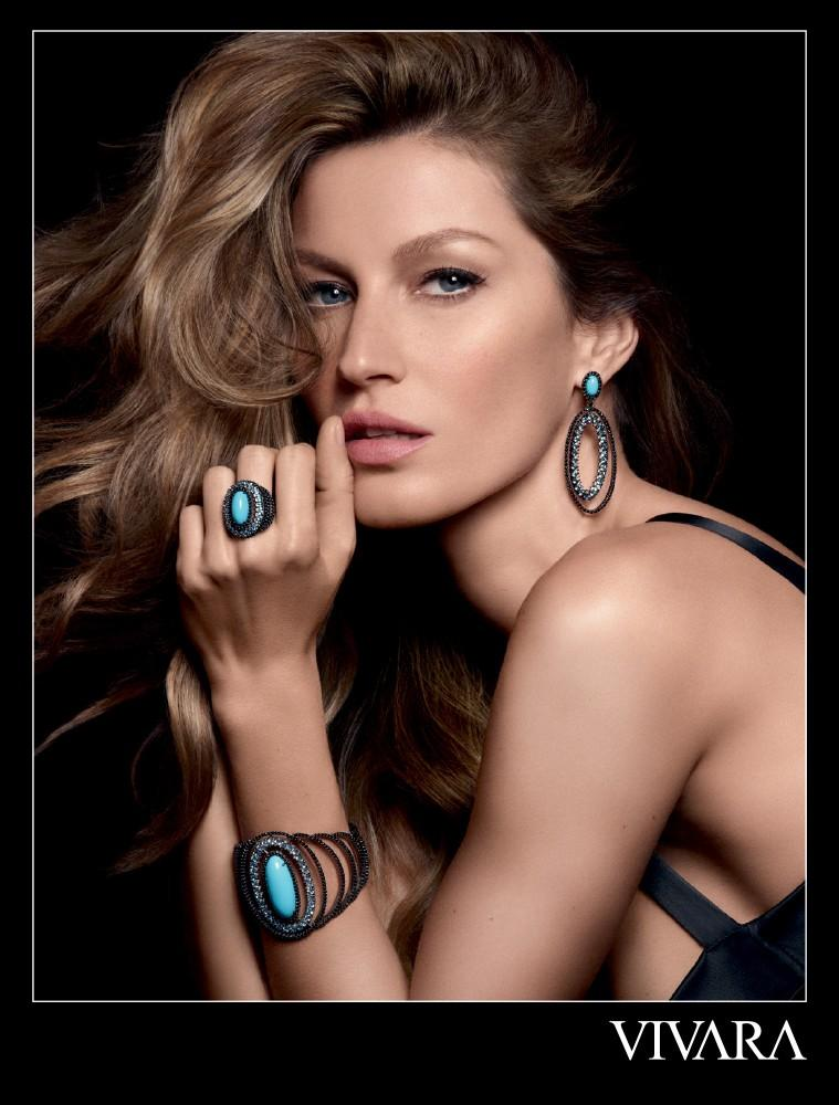 Beautiful Brazilian Fashion Model Gisele Bundchen Modeling For Vivara Jewelry Ads And Vivara Fashion Advertisements Modeling As The Highest Paid Model In Brazil (Brasil) With Model Earnings Of $47 Million Dollars During The Past Year (Past 12 Months).