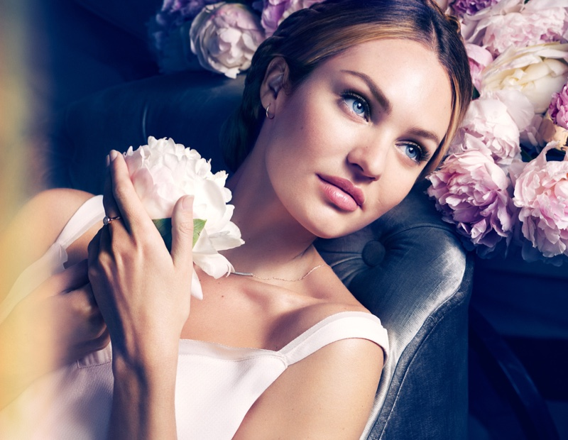 Beautiful South African Supermodel Candice Swanepoel Modeling For Max Factor Makeup Ads (Beautiful Max Factor Ads) Modeling As One Of The Highest Paid Models In The World.
