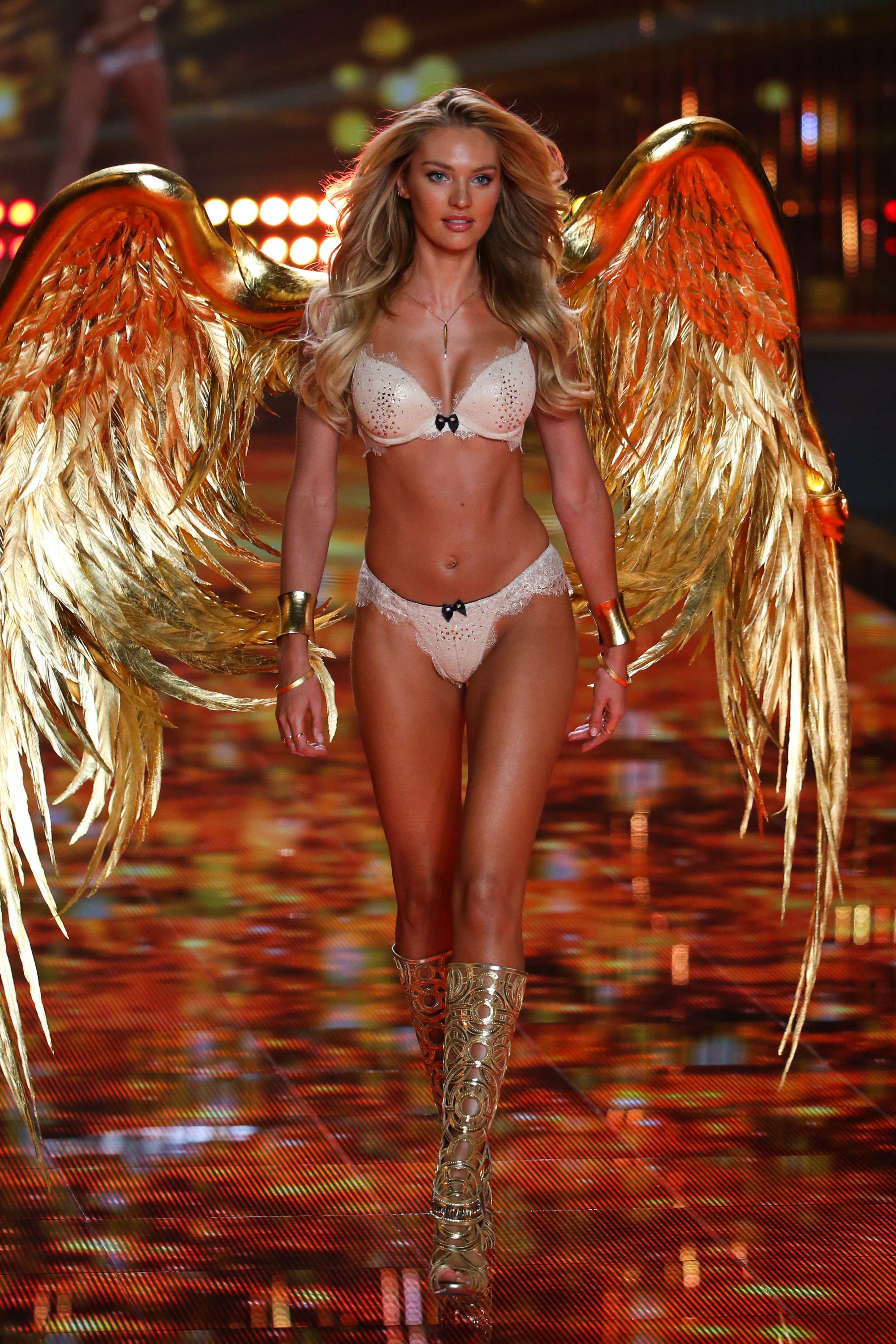 Famous Victoria's Secret South African Supermodel Candice Swanepoel Modeling For The Victoria's Secret Fashion Show In Beautiful London, England.